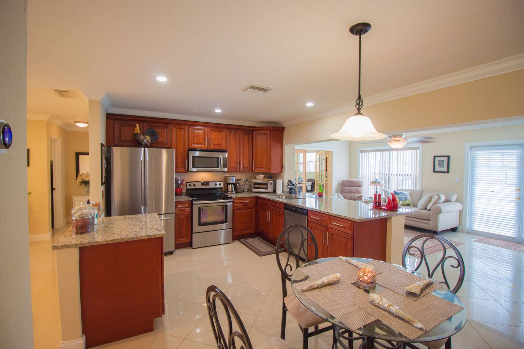 buy home with 4 bedrooms in Coral Springs Florida